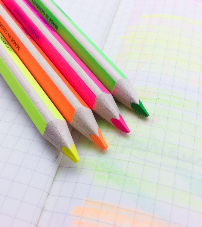 crayon-papier-fluo-2